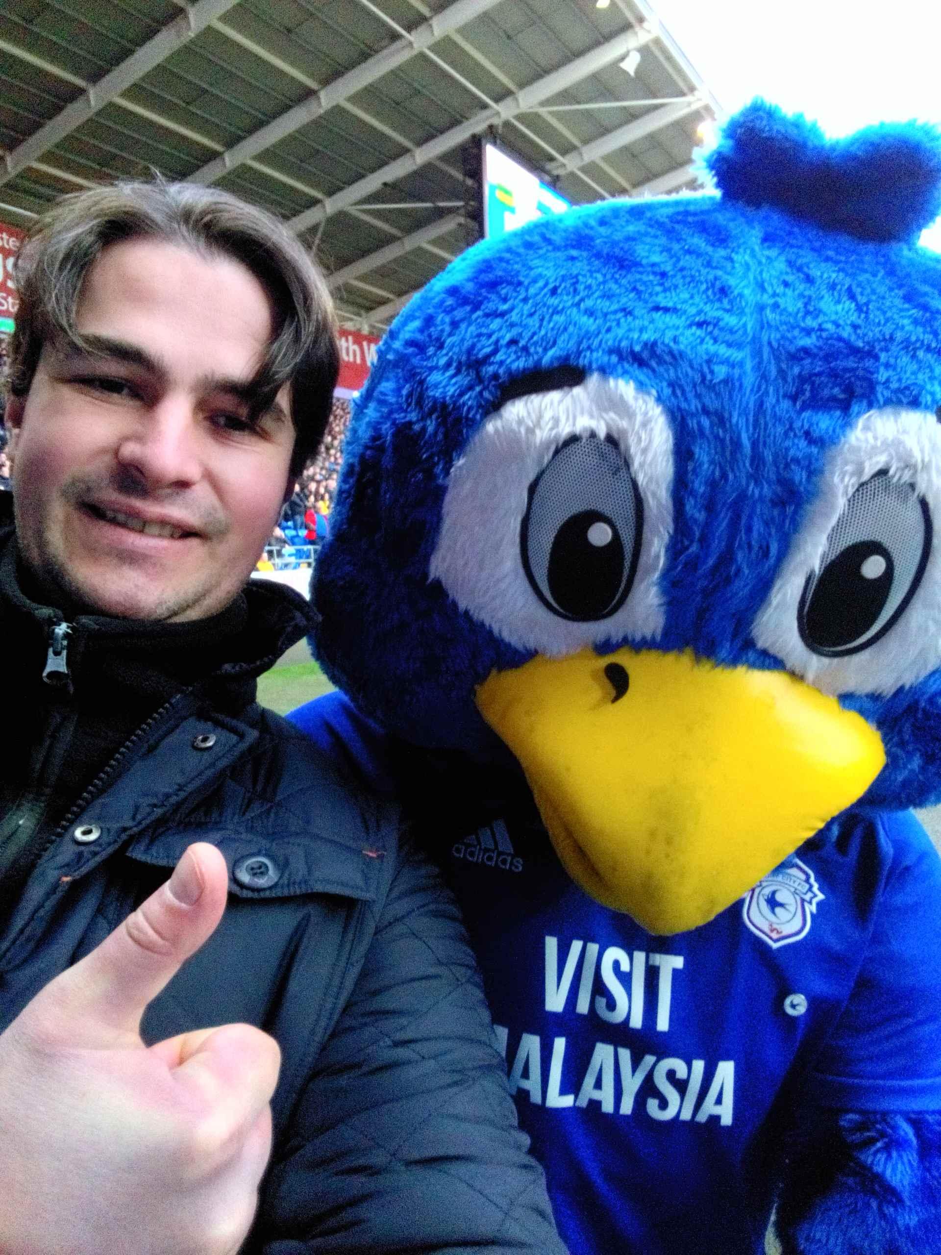 mascotte_blue_birds_cardiff_opt